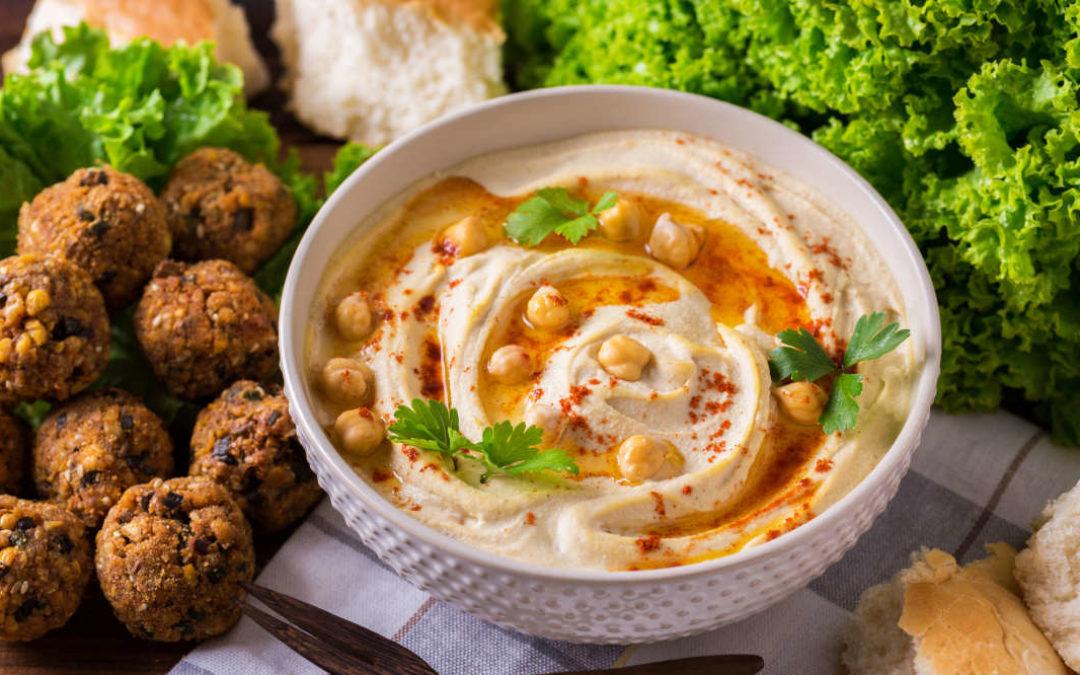 Arabische Küche – Unser Rezept für Falafel & Hummus